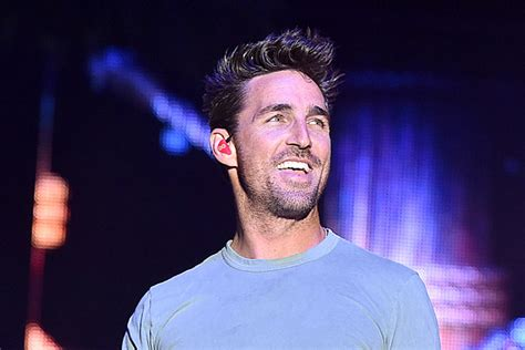 Jake Owen Is Embracing the Tiny House Lifestyle
