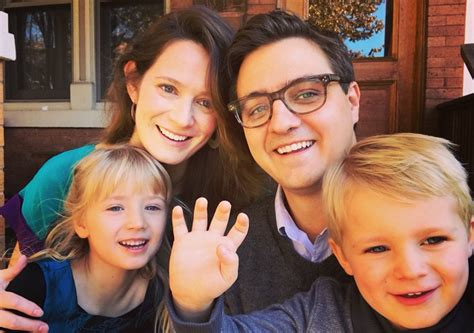 Chris Hayes – Bio, Wife, Family, Age, Height, Net Worth