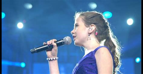 """12-Year-Old Sings """"O Sole Mio"""" With Famous Vocalist"""